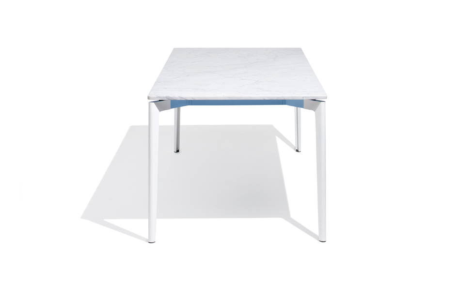 Knoll_Table_Port_01_Centered